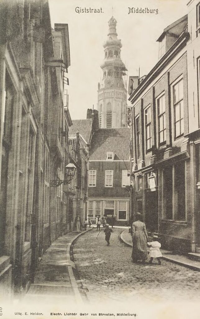(Lange) Giststraat omstreeks 1900.