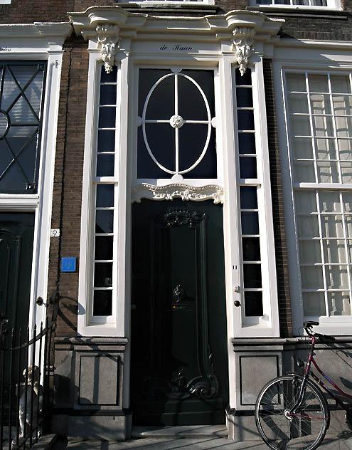 Ingangspartij van het huis met de naam De Haan aan de Londensekaai in Middelburg (2010)