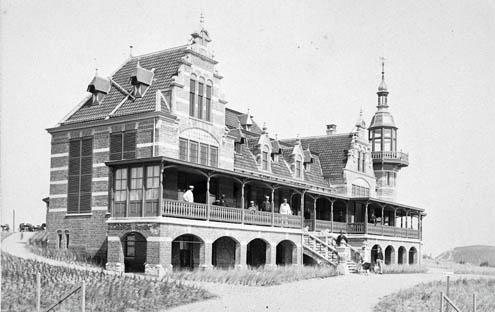 Het Badpaviljoen in Domburg in volle glorie, omstreeks 1900 (Zeeuws Archief, HTAM)
