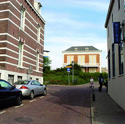 Hedendaags zicht op villa Carmen Sylva vanuit de Noordstraat in Domburg
