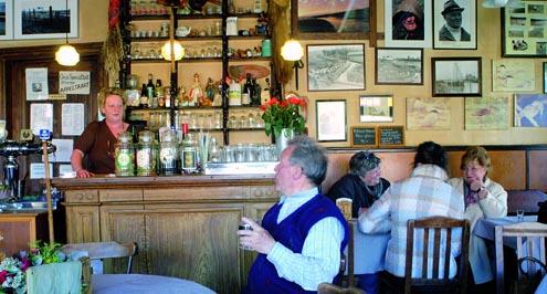In Café Het Verdronken Land ..