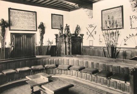 De oude rechtzaal 'De Vierschaar' in het stadhuis, circa 1935 (ZB, Beeldbank Zeeland).
