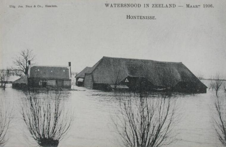 Prentbriefkaart van de ramp in maart 1906 (ZB, Beeldbank Zeeland).