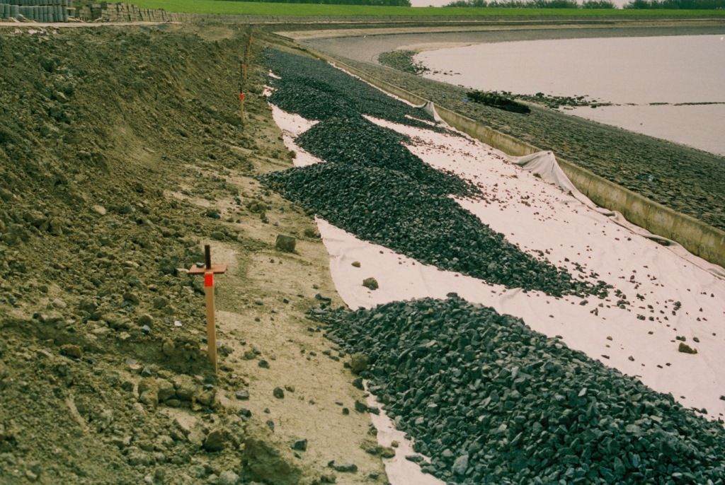 Dijkversterking De Griete, 1997. (Beeldbank Rijkswaterstaat, foto Dries Plooster)