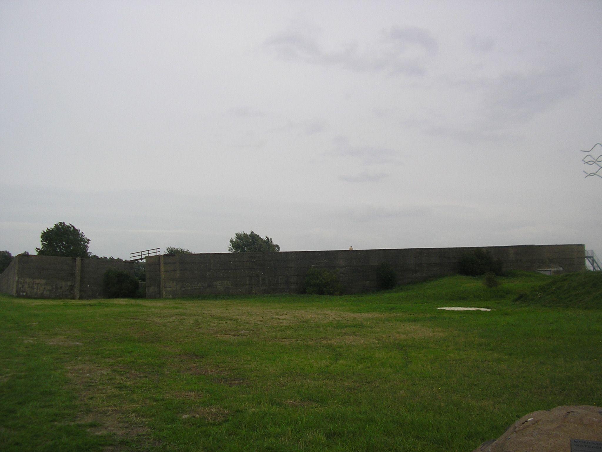 In de caissons die het dijkgat bij Ouwerkerk afsloten, bevindt zich nu het Watersnoodmuseum.