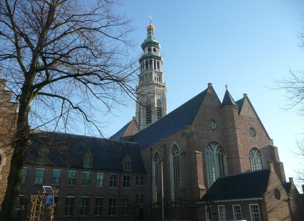 Abdij met Lange Jan en Nieuwe Kerk. (Beeldbank SCEZ)