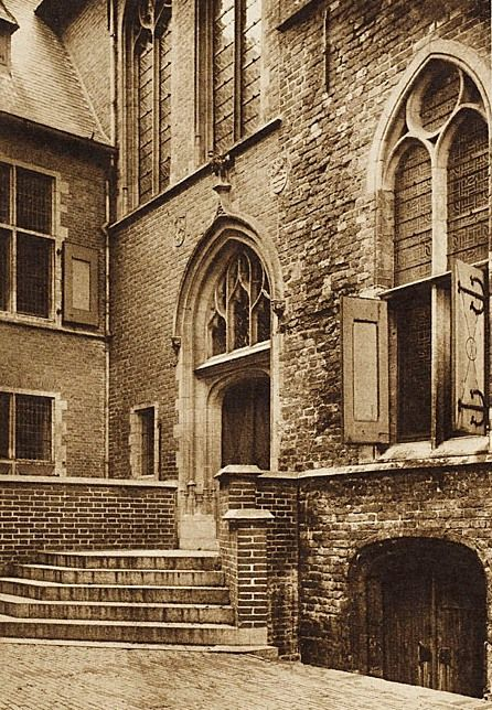 Ingang Statenzaal, circa 1920. (Zeeuws Archief, Historisch-Topografische Atlas Middelburg)