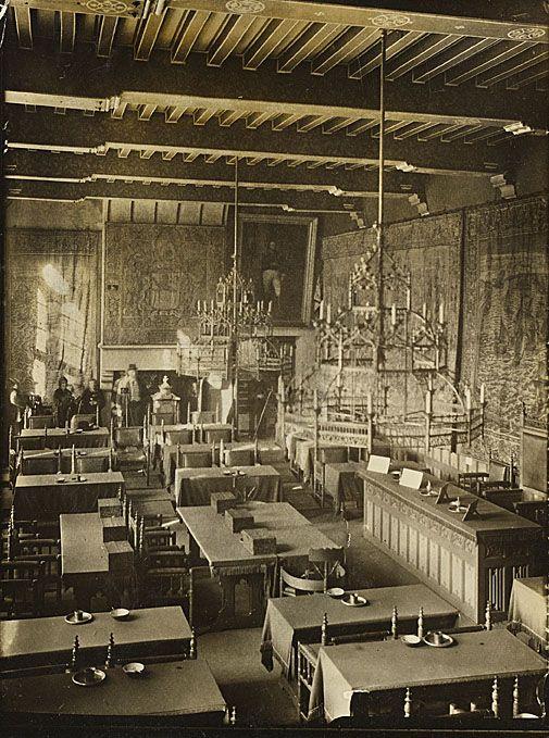 De Statenzaal omstreeks 1920. (Zeeuws Archief, Historisch-Topografische Atlas Middelburg)