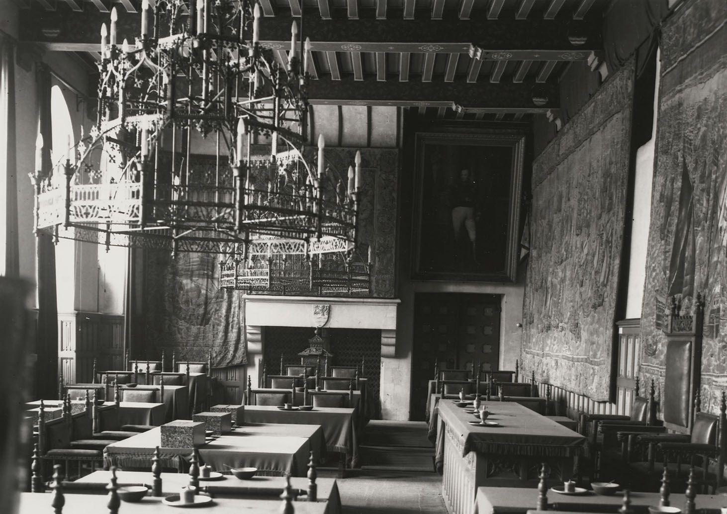 De Statenzaal omstreeks 1930. (Zeeuws Archief, Historisch-Topografische Atlas Middelburg)