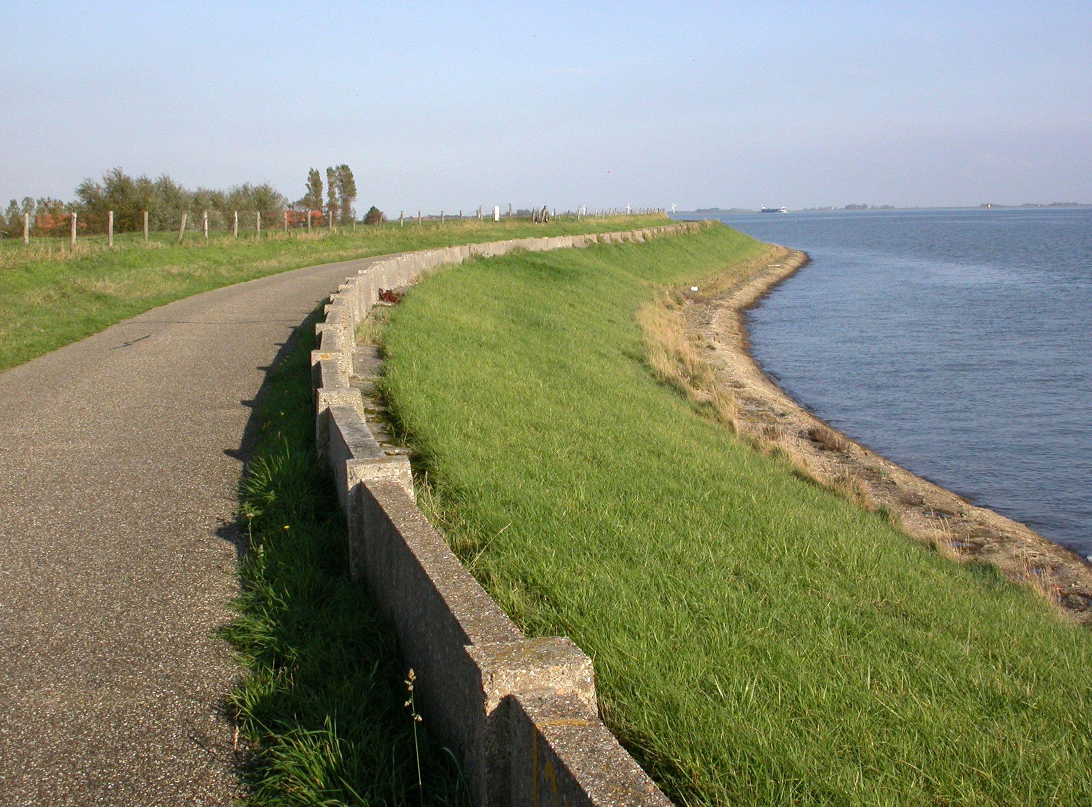 Muraltmuur bij de Oosterlandpolder, 2008. (Beeldbank Rijkswaterstaat, foto Jan van den Broeke)
