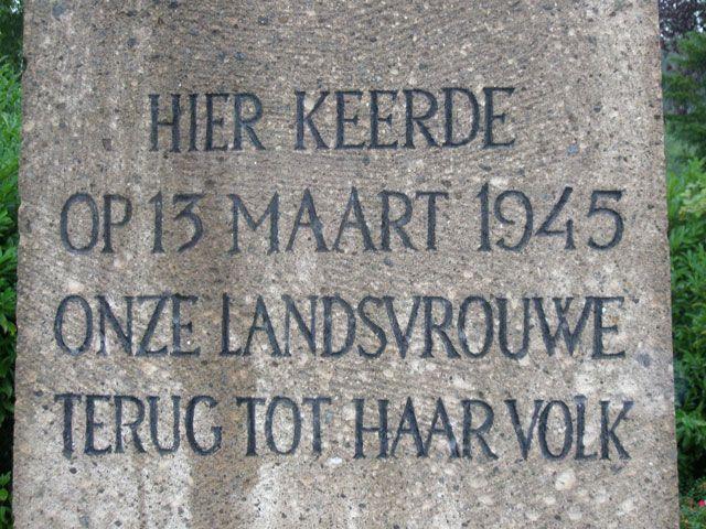 Tekst aangebracht op het Nationaal Monument in Eede. (Beeldbank SCEZ)