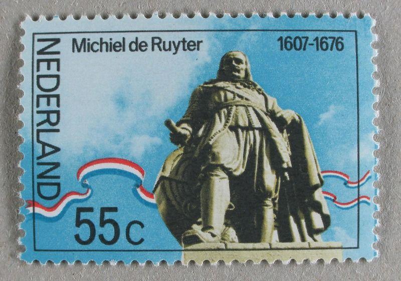 Postzegel uit 1967 met afbeelding van het monument van De Ruyter in Vlissingen. (Zeeuwse Bibliotheek, Beeldbank Zeeland)