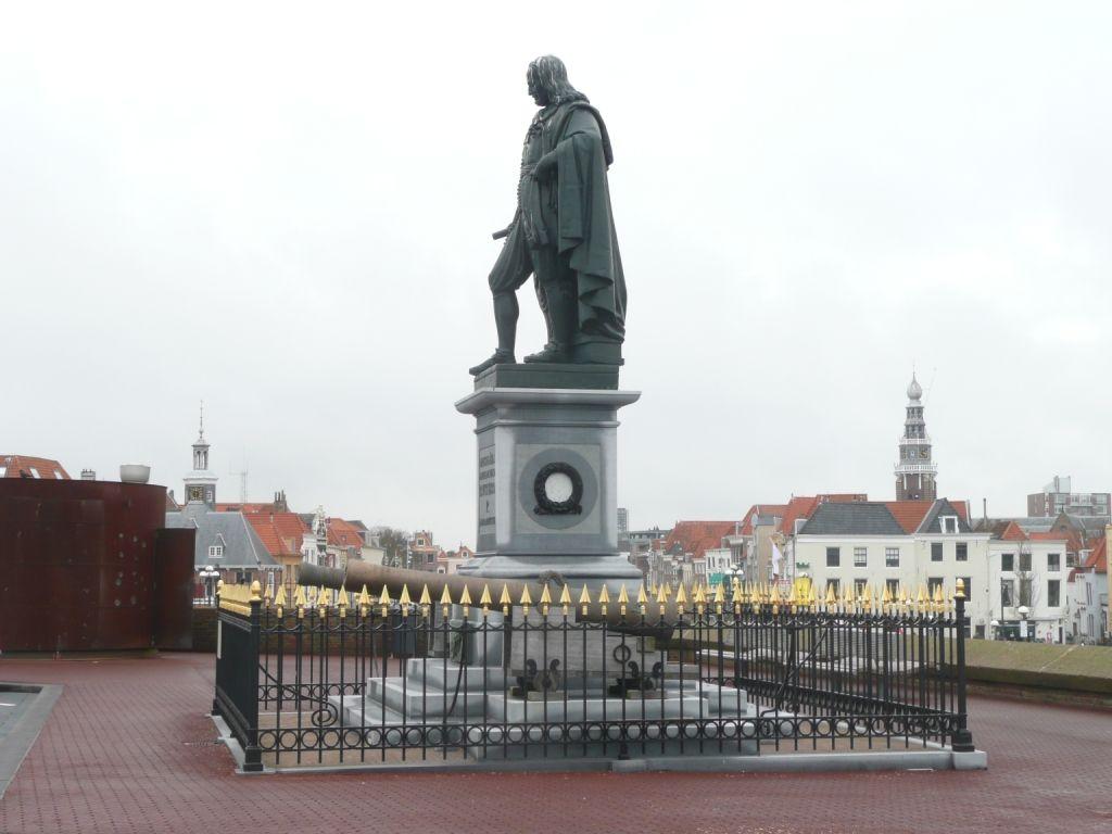 Het standbeeld van Michiel de Ruyter aan de Boulevard De Ruyter in Vlissingen. (Beeldbank SCEZ)