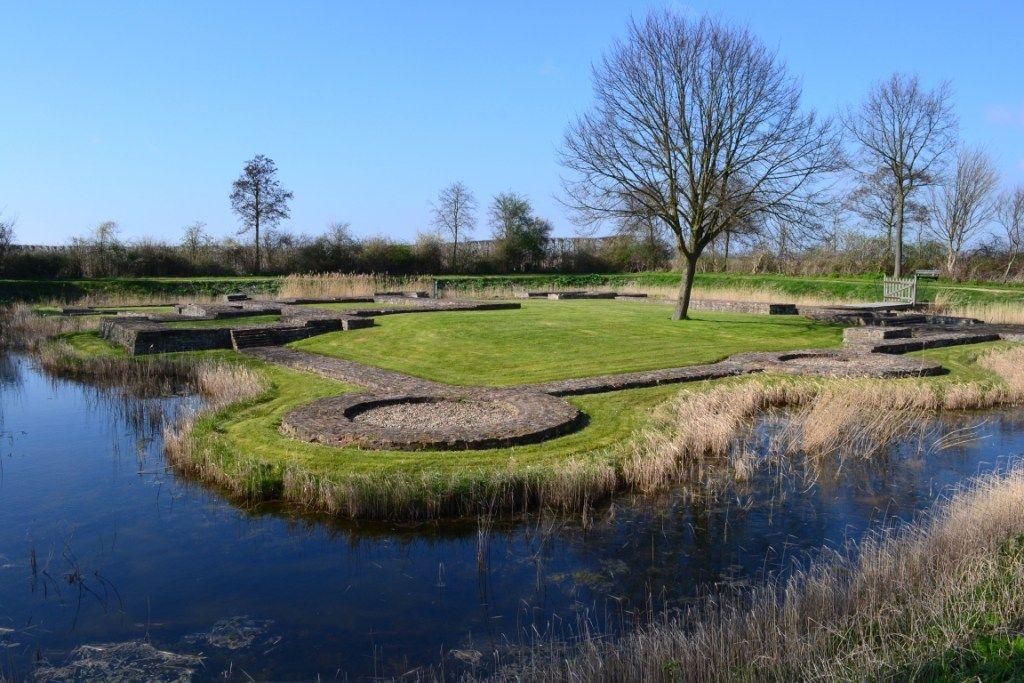 De fundamenten van kasteel Hellenburg bij Baarland. (Beeldbank SCEZ)