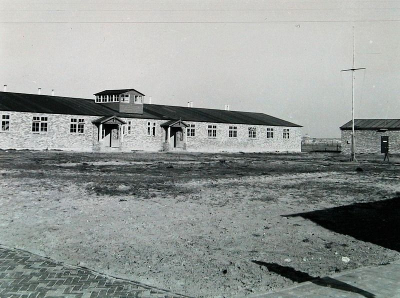Barak van het voormalige kamp Westkapelle. (Zeeuwse Bibliotheek, Beeldbank Zeeland, foto I. Lamain)