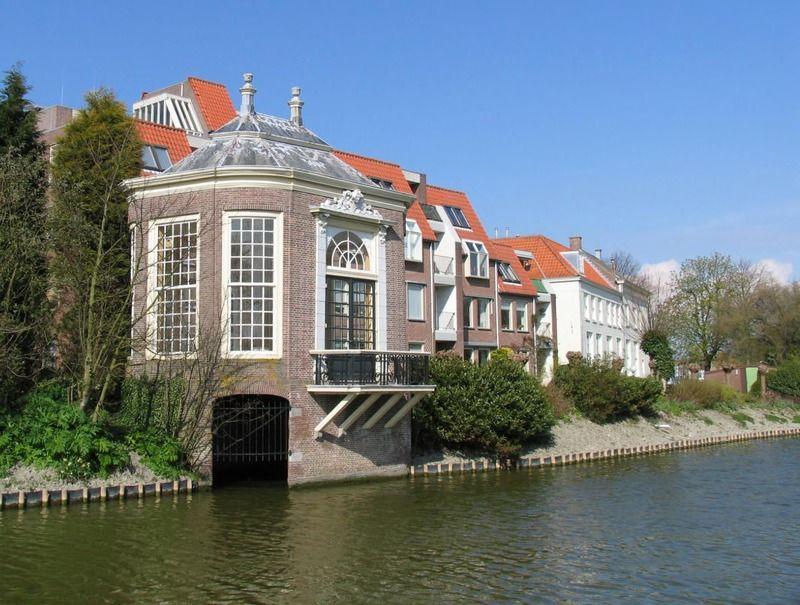 Theekoepel van De Griffioen aan de Domburgse watergang, Middelburg, 2008. (Zeeuwse Bibliotheek, Beeldbank Zeeland, foto J. Francke)