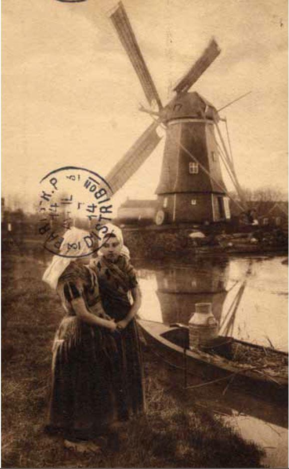 Schuitje in de nabijheid van het schuitvlot te Aagtekerke, circa 1914. (Collectie F. van den Driest, Serooskerke)
