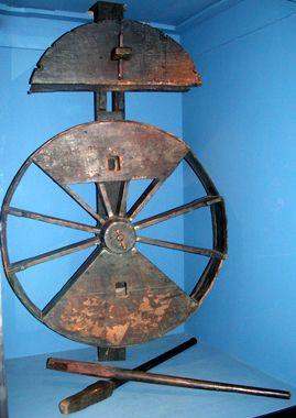 Het touwslagerswiel uit de lijnbaan waar Michiel de Ruyter als jongen werkte. (Zeeuws Maritiem MuZEEum, collectie Zeeuws Genootschap)