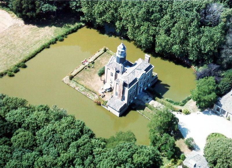 Duinbeek gezien vanuit de lucht, 1998. (Zeeuwse Bibliotheek, Beeldbank Zeeland, collectie Jan Bruijns, foto A. Dingemanse)