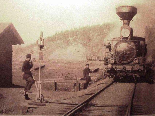 Trein op de Trans-Siberische spoorweg in 1903, het jaar waarin ook De Rijke over deze lijn reisde.