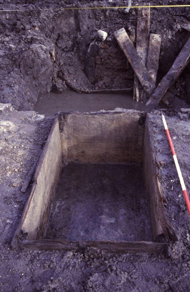 Een van de kuipen die tijdens het archeologisch onderzoek werden aangetroffen. (Beeldbank SCEZ)
