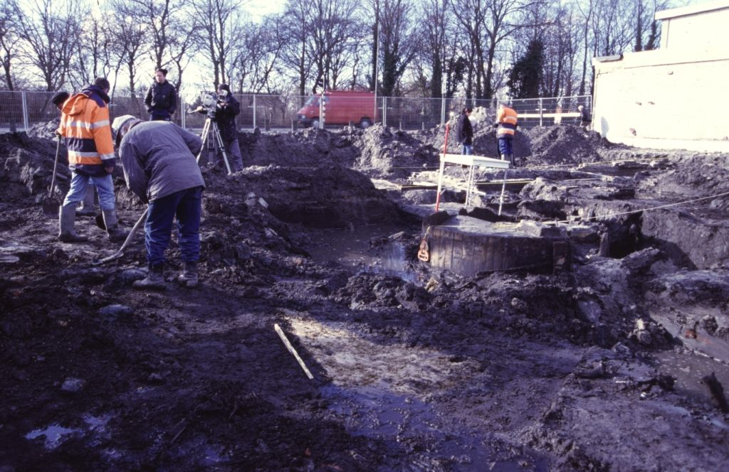 Archeologisch onderzoek op het terrein van de voormalige leerlooierij. (Beeldbank SCEZ)
