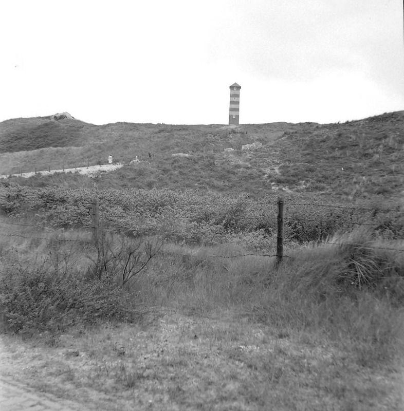 Dishoek omstreeks 1955. (Zeeuwse Bibliotheek, Beeldbank Zeeland, foto H. Defesche)