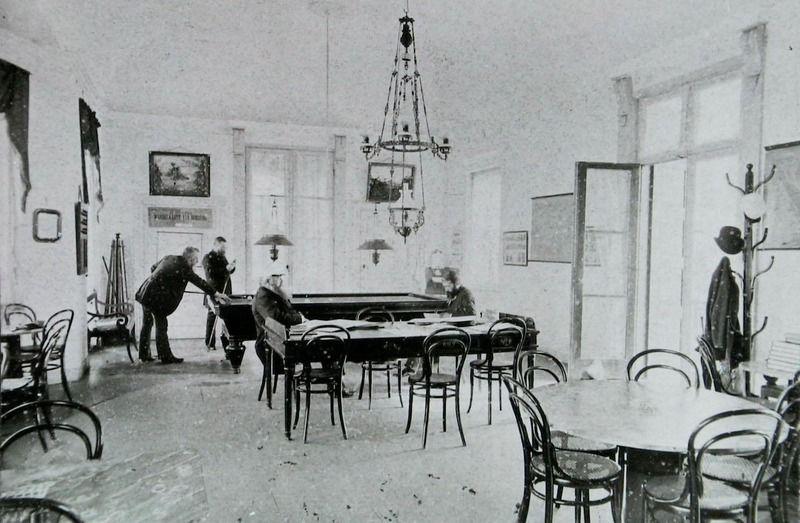 De biljartkamer in het Badpaviljoen, circa 1910. (Zeeuwse Bibliotheek, Beeldbank Zeeland)