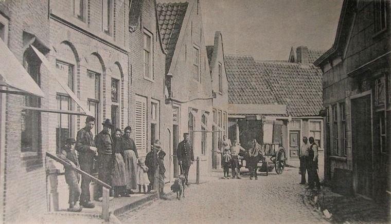 Bruinisse, Korte Ring, circa 1902. (Zeeuwse Bibliotheek, Beeldbank Zeeland)