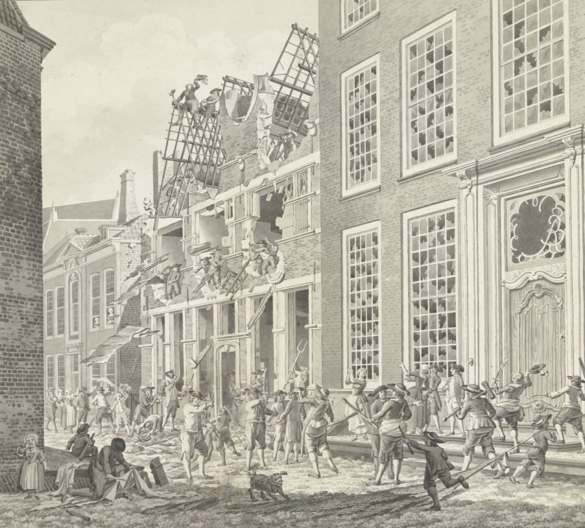 Plundering van het huis van de arts en patriot Lucas van Steveninck in Middelburg op zaterdag 30 juni 1787. Tekening Jan Arends. (Collectie Rijksmuseum)