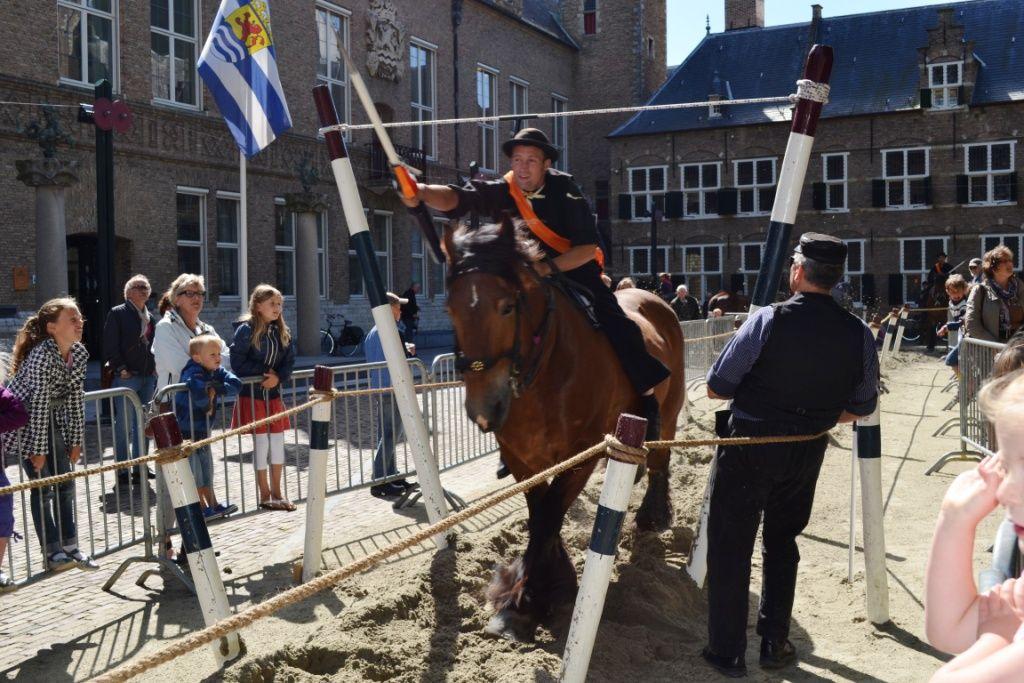 Demonstratiewedstrijd op het Abdijplein in Middelburg, 2012. (Beeldbank SCEZ)