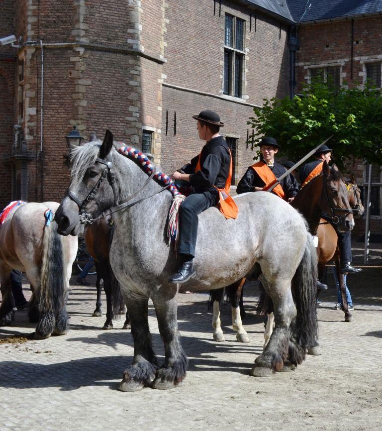 Wachten in de box voor de volgende beurt. Wedstrijd Abdijplein Middelburg, 2012. (Beeldbank SCEZ)