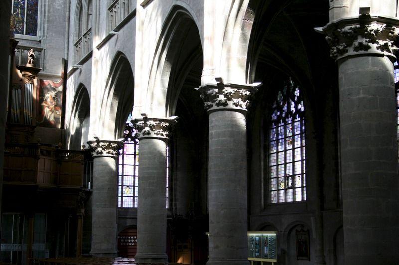 Interieur van de basiliek, 2013. (Zeeuwse Bibliotheek, Beeldbank Zeeland, foto S. Jasperse)