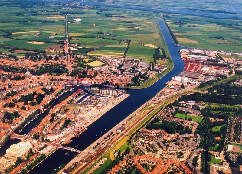 Kanaal door Walcheren. Foto uit 1995. (Zeeuwse Bibliotheek, Beeldbank Zeeland, foto Slagboom en Peeters)