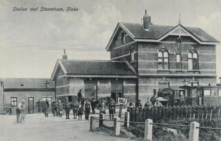 Station Vlake omstreeks 1915. Prentbriefkaart. (Zeeuwse Bibliotheek, Beeldbank Zeeland)