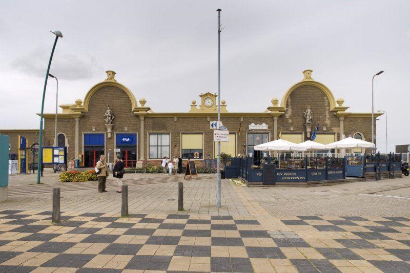 Het station in Vlissingen, 2007. (Rijksdienst voor het Cultureel Erfgoed, foto Paul van Galen)