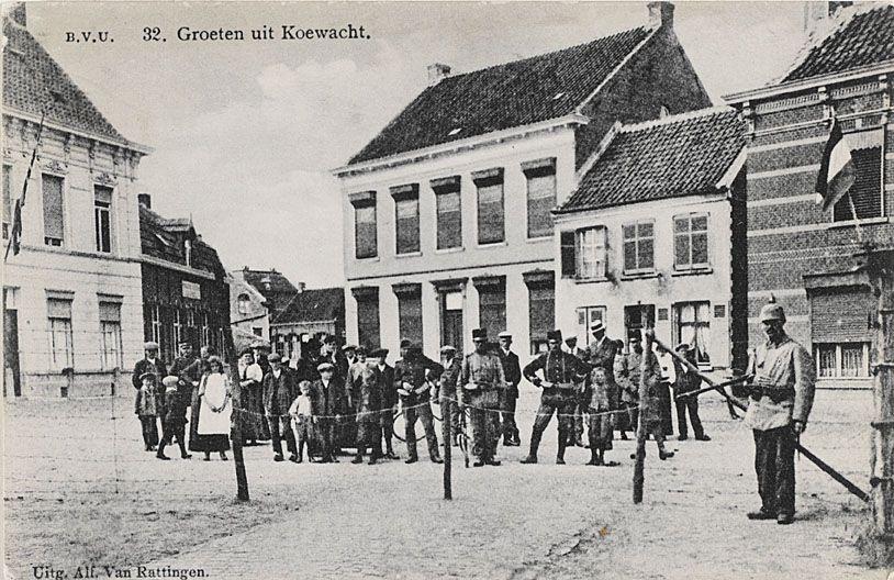 De grensovergang bij Koewacht op een prentbriefkaart. (Zeeuws Archief, coll. Zeeuws Genootschap, Zelandia Illustrata)