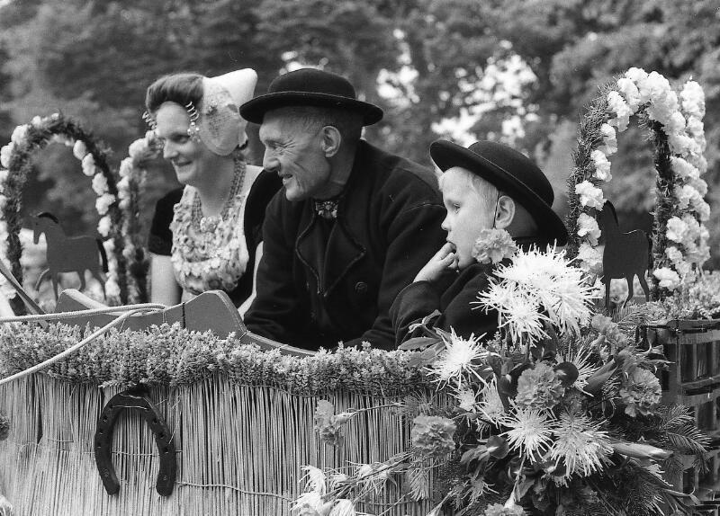 Deelnemers omstreeks 1975. (Zeeuwse Bibliotheek, Beeldbank Zeeland, foto J. Simonse)