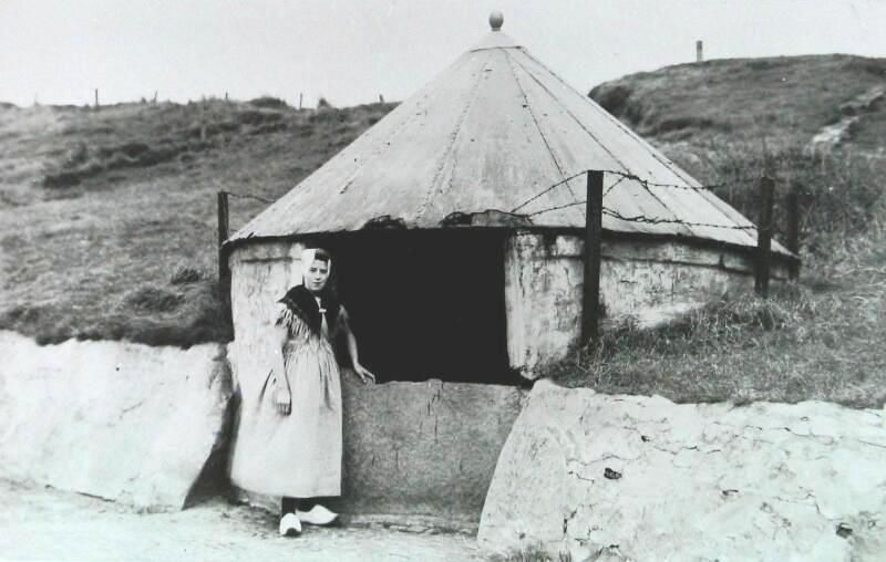 Willibrordusput in Zoutelande omstreeks 1925. (Zeeuwse Bibliotheek, Beeldbank Zeeland)
