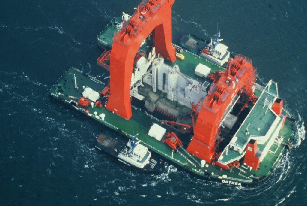 Het hefschip Ostrea. (Beeldbank Rijkswaterstaat)