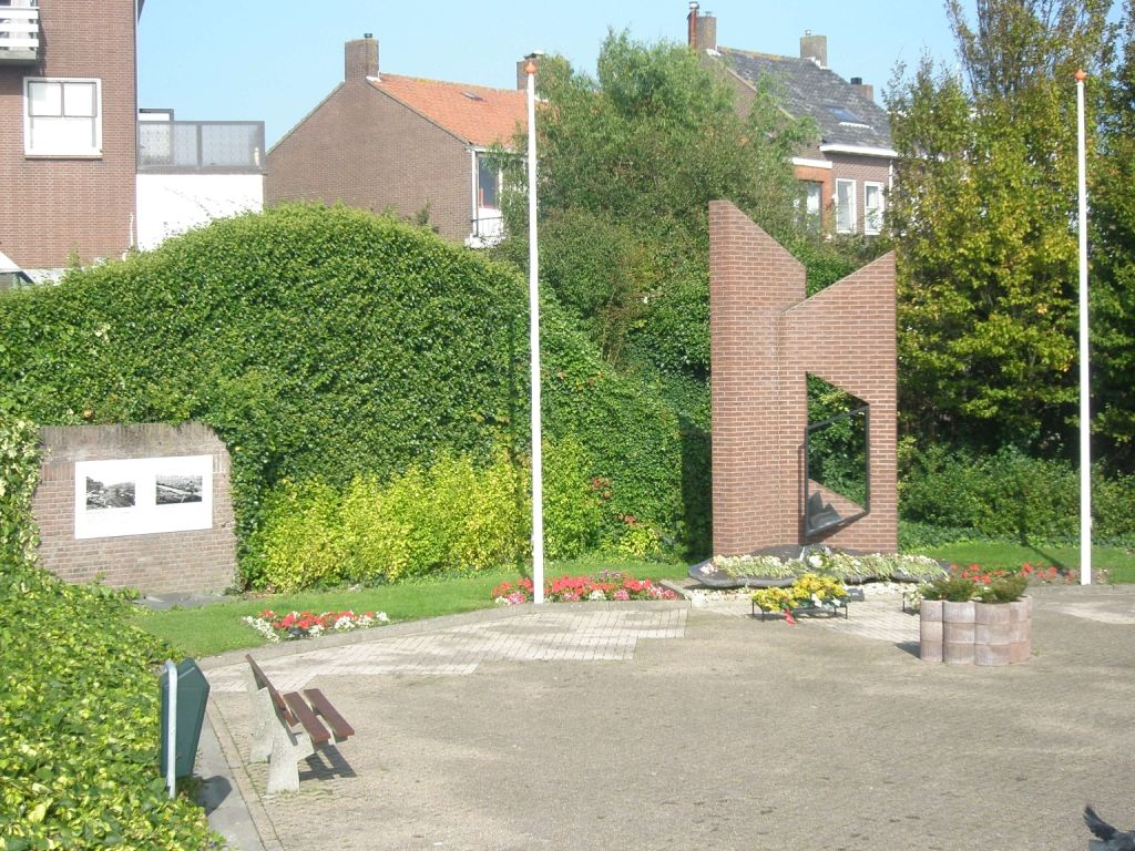 Monument aan de Steenoven in Breskens. (Beeldbank SCEZ)
