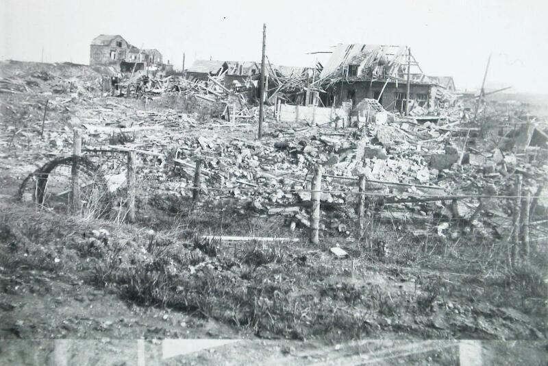 De Hullustraat in Breskens, november 1944. (Zeeuwse Bibliotheek, Beeldbank Zeeland, foto M. Geerse)