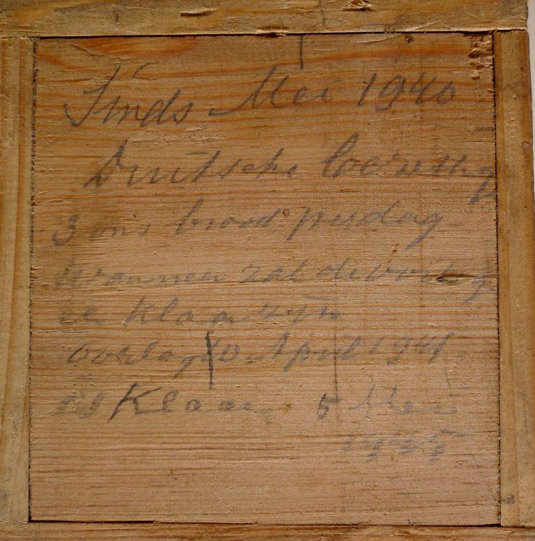 Tekst onderop de vierde lade. (Foto Nederlands Openluchtmuseum)