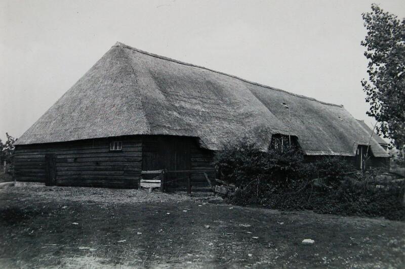 Hof Tiengemete in Oudelande, omstreeks 1963. (Zeeuwse Bibliotheek, Beeldbank Zeeland)