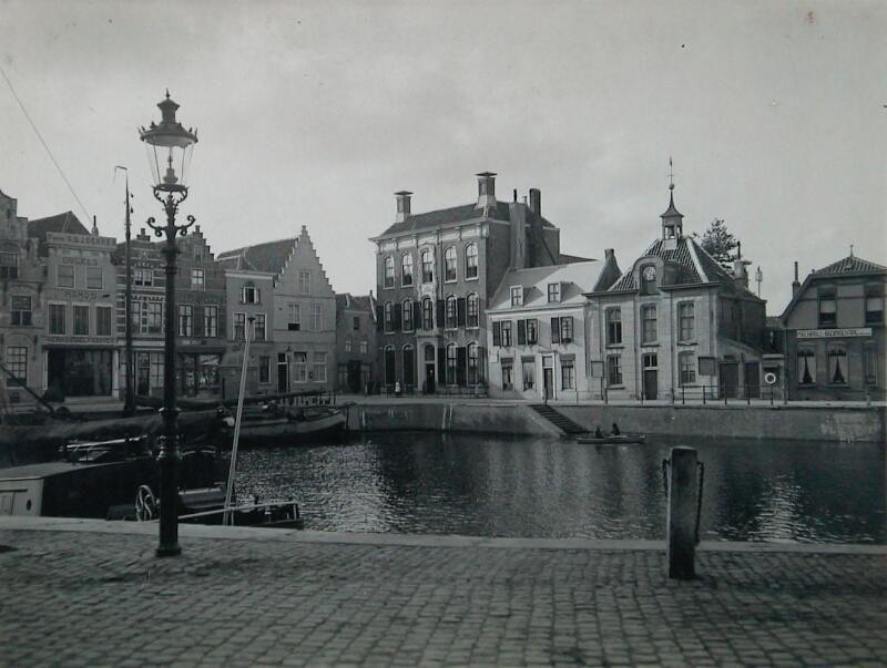 Kleine Kade omstreeks 1920. (Zeeuwse Bibliotheek, Beeldbank Zeeland)