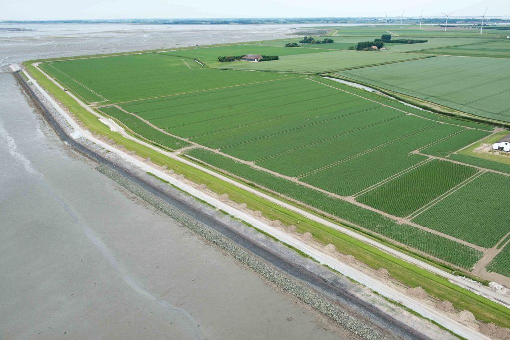 Sint-Philipsland, luchtfoto 2013. (Beeldbank Rijkswaterstaat, foto Joop van den Houdt)