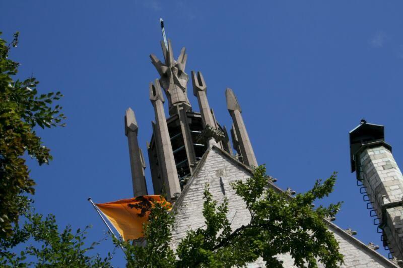 Toren van de Sint-Willibrordusbasiliek. (Zeeuwse Bibliotheek, Beeldbank Zeeland, foto S. Jasperse)