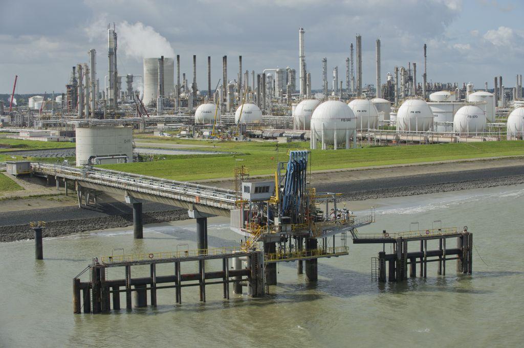 Dow Terneuzen. (Foto Eddy Westveer voor DNA-Beeldbank op www.laatzeelandzien.nl)
