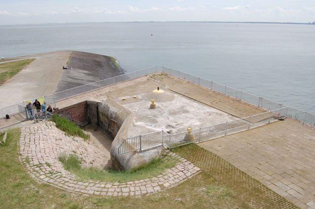 De artilleriewaarnemingsbunker bij de Oranjemolen in Vlissingen.