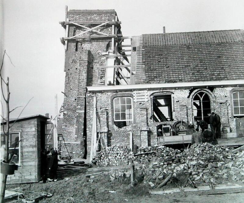 De kerk in het Schouwse Serooskerke werd in 1957 opnieuw gerestaureerd. (Zeeuwse Bibliotheek, Beeldbank Zeeland, fotoarchief PZC)